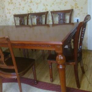 продам гостиный стол со 6 стульями  за 45000 тенге